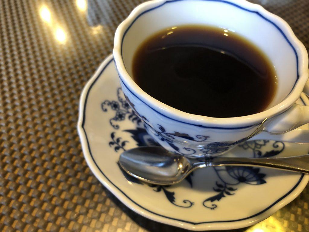 まずはコーヒーでものみながら家族会議は穏便に。